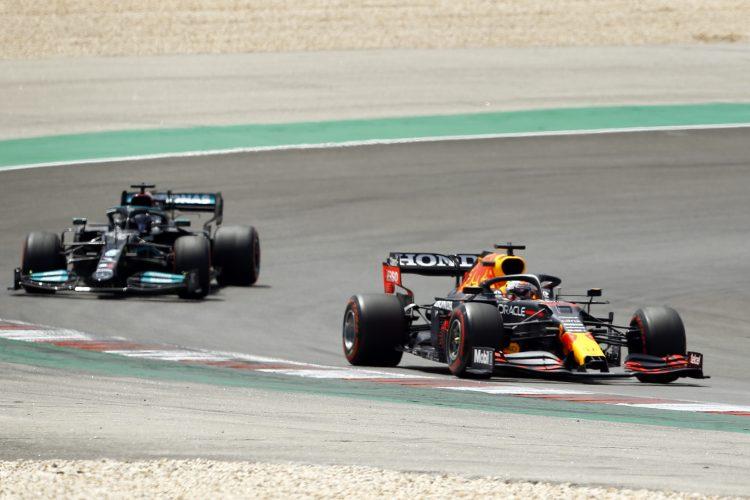 Lewis Hamilton in Max Verstappen